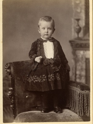 victorian-boy dress-ghost