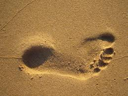 footprint-in-sand-beach