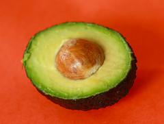avocado-cross-section-fruit