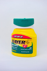 bottle-of-bayer-childrens-adult-prevent-81-aspirin