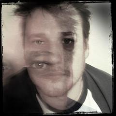 man-depicting-schizophrenia-disordered-thinking