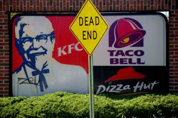 fast-convenience-foods-kfc-taco-bell-pizza-hut-pick-your-poison-dead-end-sign