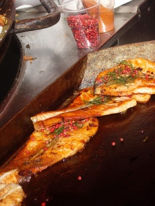 grilled-salmo-fillets-with-cranberries