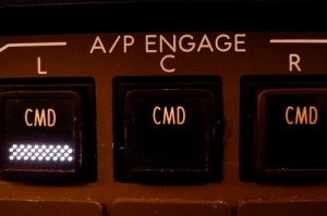autopilot-aircraft-engaged-instrument-panel