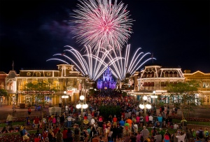 fireworks-at-magic-kingdom-disneyworld-from town-square