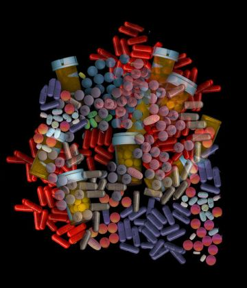 prescription-pain-medications-colors-forms-vials