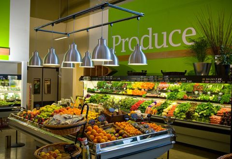 supermarket-interior-produce-arrangements-fruits-vegetables