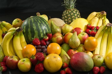 organic-fruits-display