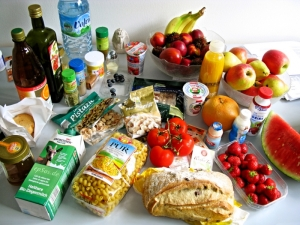 mainly-complex-carbohydrate-foods-protein-sparing-assortment-of healthy-foods-from Europe