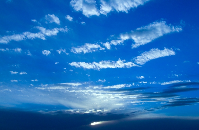 blue-sky-with-clouds-used-in future-hospital-for-relaxation-effects-projected-above-patientb