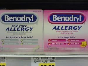 Benadryl-boxes-dipicting-tablets-regular-and-dye-free