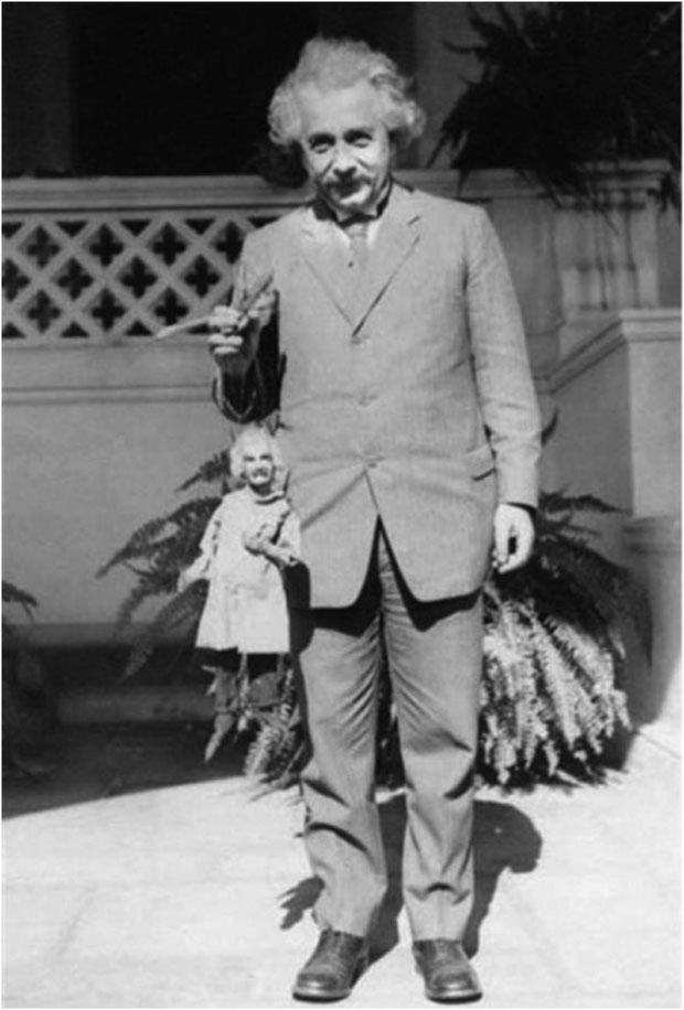 albert-einstein-with-his-puppet-albie